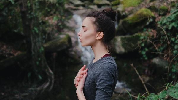Ademhalingsoefeningen yoga