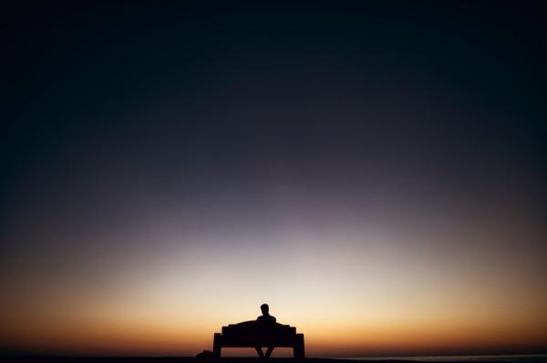 eenzaamheid en stress oorzaken en gevolg